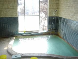 熱泉荘の浴室
