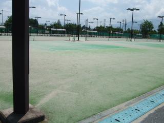 南部公園のテニスコート