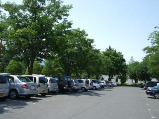 豊科近代美術館 駐車場