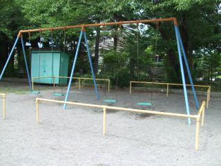 タコ公園 ブランコ
