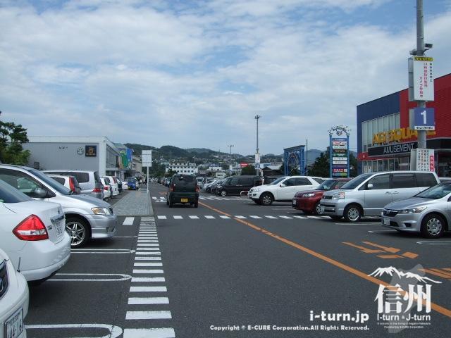 渚ライフサイトの駐車場