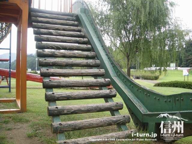 三峰川榛原河川公園 階段
