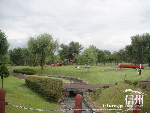 水と触れ合える親水公園|三峰川榛原河川公園|伊那市