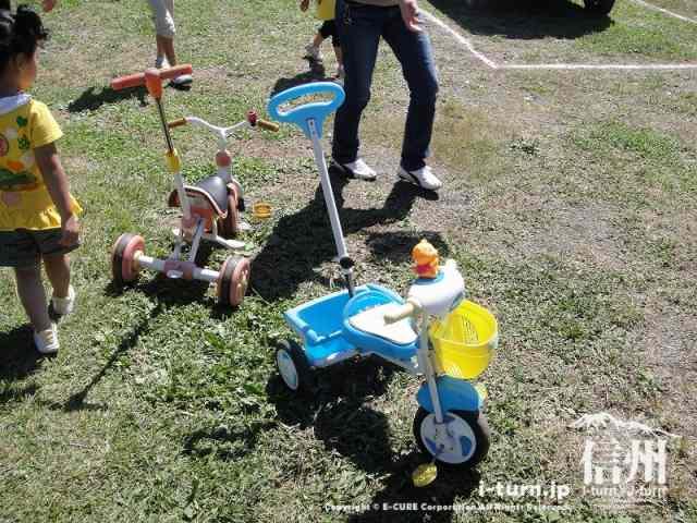 雅秋園の三輪車