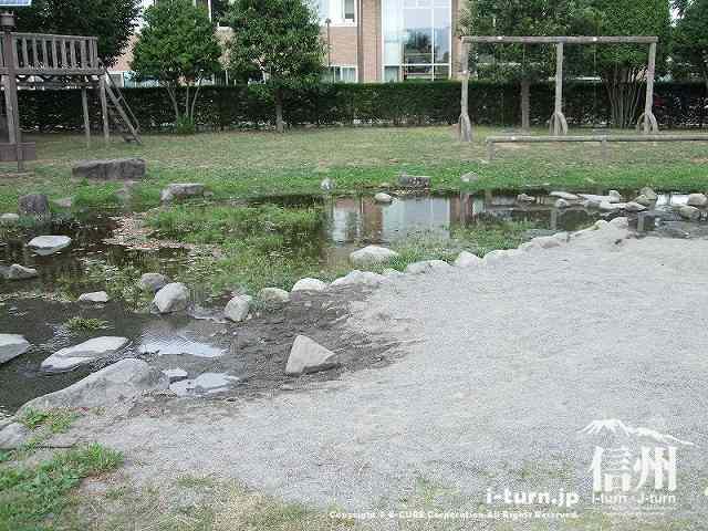 堀金中央公園 水遊びができる場所