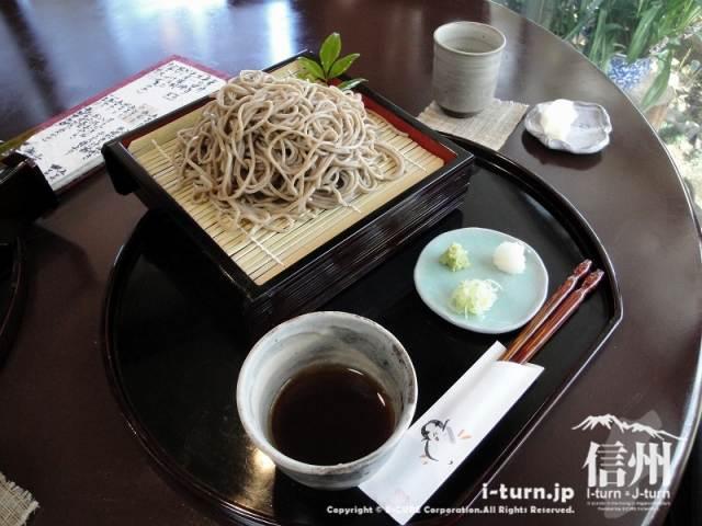花尋庵|雰囲気良い店内で香りある蕎麦|諏訪市豊田