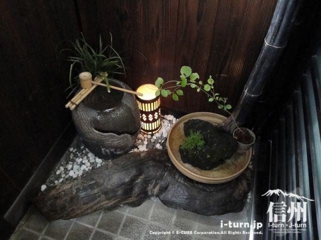 花尋庵 玄関脇の作品15