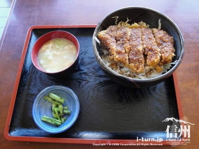 ほの字|ソースかつ丼とカツカレーが人気|駒ヶ根市赤須東