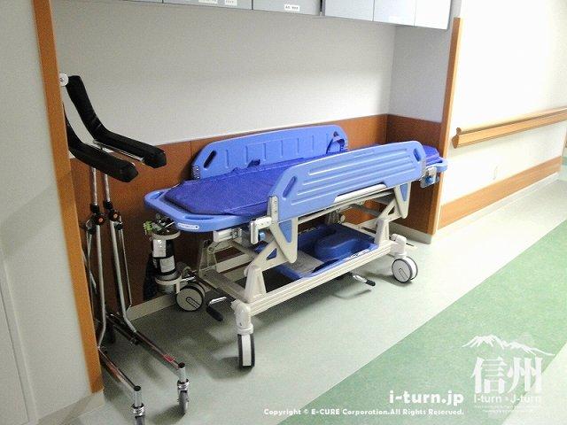 藤森病院 院内にあるストレッチャー