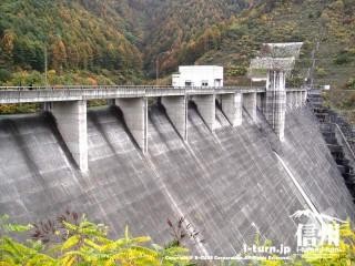 箕輪ダムの橋