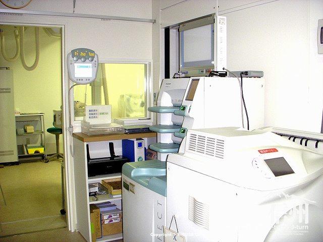 藤森病院 X線装置の操作するところ