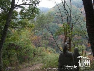 旧国鉄篠ノ井線廃線敷 善覚様と覚明様が見つめる風景