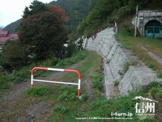 旧国鉄篠ノ井線廃線敷 三五山トンネルの迂回路