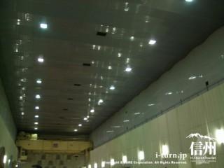 発電所内は高い天井