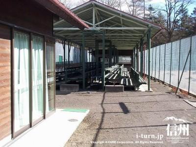 軽井沢会テニスコートクラブハウス 全景3