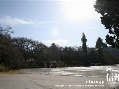 公園グランド駐車場