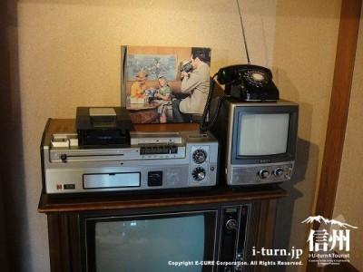 テレビにビデオ、8ミリカメラ