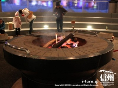 大きな火鉢