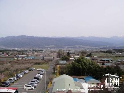 展望台から見た駐車場