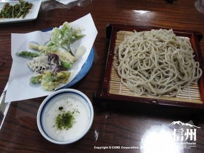 とろろそば大盛り+山菜天ぷら