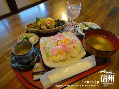 バラの花寿司し御膳