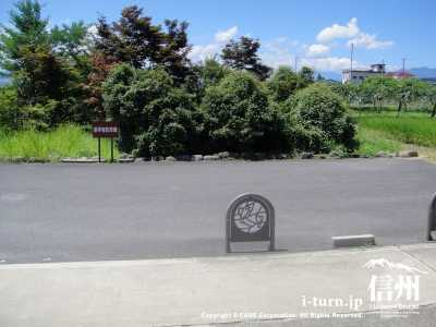 参拝者用の駐車場