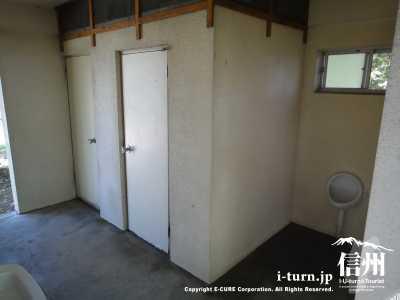 トイレの内部