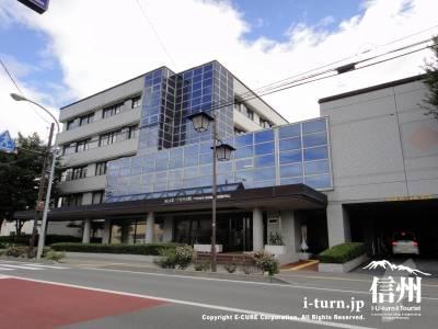 篠ノ井総合病院のメイン玄関