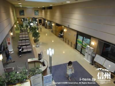 篠ノ井総合病院のエントランス