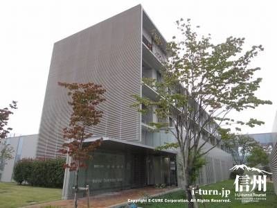 長野市民病院の健診センター外観