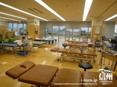 長野市民病院のリハビリセンター内部風景