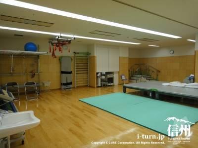 長野市民病院のリハビリセンター内部