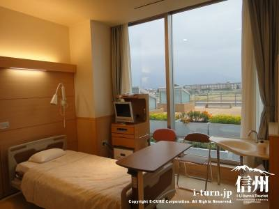 長野市民病院の入院個室全風景