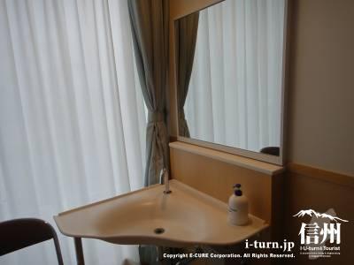 長野市民病院の入院個室の洗面台