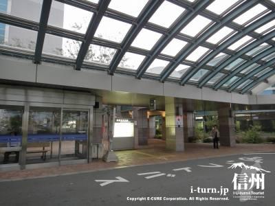 長野市民病院のロータリー待合室