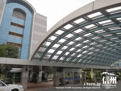 長野市民病院のロータリー屋根部分