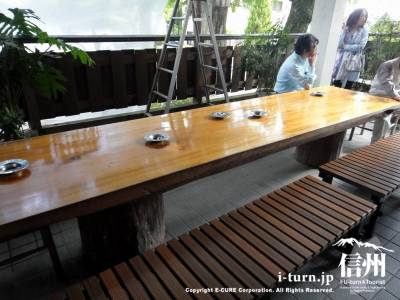 外テーブル