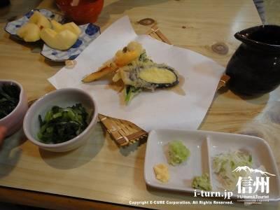 釜揚げ定食の天ぷら