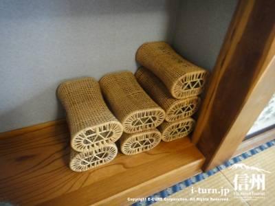 かご編みまくら