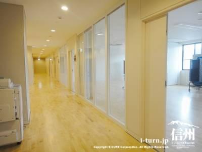 学習室前の廊下