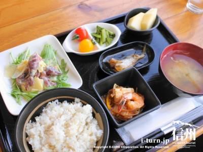 ほたるイカの酢味噌和え定食