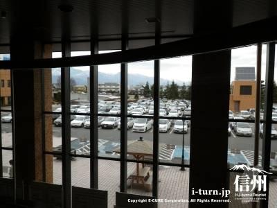 2階から駐車場