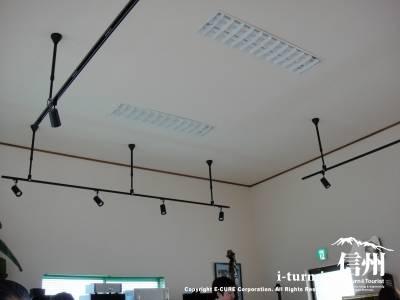 ホールの天井