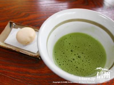 リンゴマカロンと抹茶