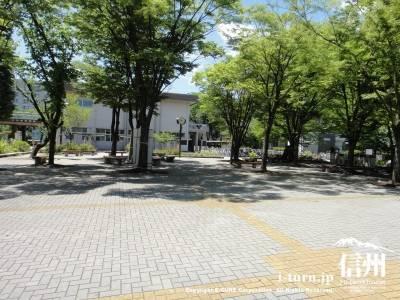生協前広場