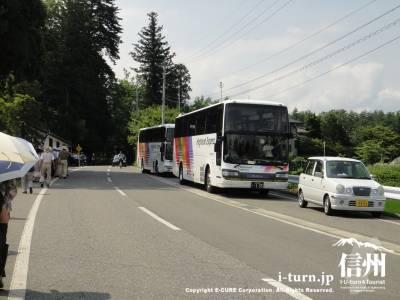 路駐のバス