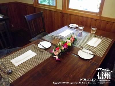 テーブル席1