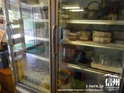 冷蔵庫が食器棚に