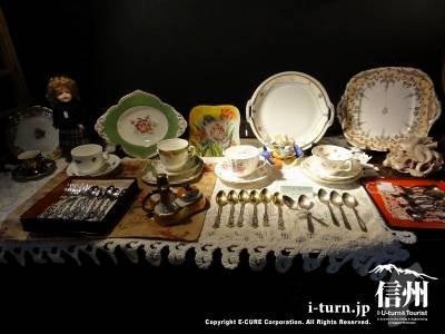 軽井沢レイクガーデンショップの絵皿とスプーンセット