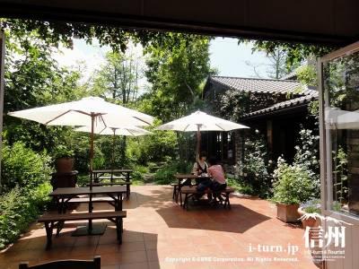軽井沢レイクガーデン レストラン ブラッセリーナカガワオープンカフェ